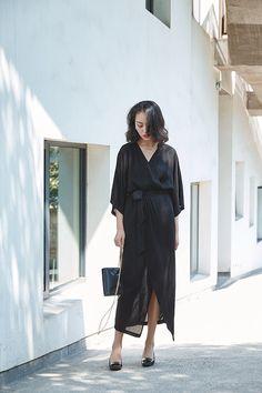 Black Wrap Kimono Midi Dress