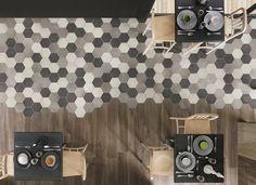 Rewind-malliston kuusikulmaiset laatat ovat kooltaan 21×18,2 senttimetriä. Yksiväristen laattojen ohella mallistoon kuuluu valikoima monivärisiä kuviolaattoja, joissa on valittavana geometrisiä kuvioita harmaan ja ruskean sävyissä sekä erilaisia art nouveau -henkisiä koristekuvioita.