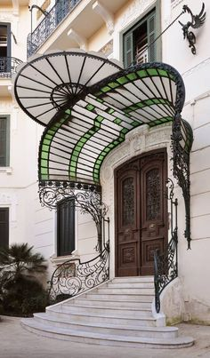 Art Nouveau Portico at Villa Pappone, Naples, Italy . Gregorio Botta 1912 Photo by Andrea Speziali Art Nouveau in Naples Cool Doors, Unique Doors, The Doors, Entrance Doors, Doorway, Windows And Doors, Door Entry, Door Gate, Entrance Design