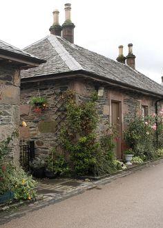 Luss Village, Loch Lomond (Scotland) © Enriching My Soul