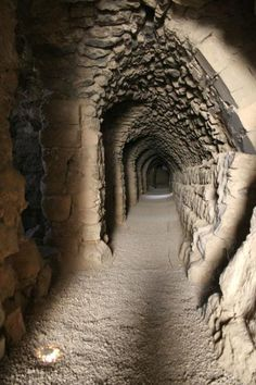 Kerak Castle: arch and stairs in one of the many underground tunnels. Old Buildings, Abandoned Buildings, Abandoned Places, Castle Ruins, Medieval Castle, Beautiful Castles, Beautiful Places, Architecture, Scenery