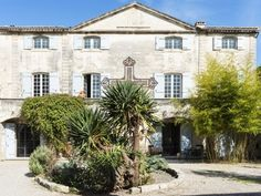 La Vieille Maison d'Art - Gîte Holiday Rental, in Vallabregues, Gard, France