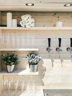 How To Build A DIY Wedding Bar Beer Wedding, Diy Wedding Reception, Wedding Bar Menu, Wedding Ideas, Tap Room, Prosecco Van, Pop Up Bar, Mobile Bar, Diy Bar
