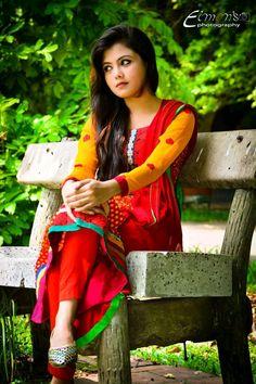 Beautiful Girl Wallpaper, Beautiful Girl Photo, Beautiful Women, Cute Girl Pic, Cute Baby Girl, Cute Girls, Indian Bollywood Actress, Indian Actresses, Download Walpaper