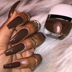 Here are some different shapes of brown acrylic nails. No matter what kind of brown it is, dark brown, red brown or orange brown, matte or glitter. This color are still trendy in Nails Multi Shapes Of Brown Acrylic Fingernails For Fall - ILOVE Brown Acrylic Nails, Brown Nails, Cute Acrylic Nails, Love Nails, How To Do Nails, Nails Kylie Jenner, Girls Nails, Dark Nails, Colorful Nail Designs