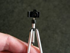 MitchyMooMiniatures: Camera Tripod Tutorial