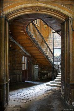 სასტუმრო ლონდონი – მე მოგზაური – კახას ბლოგი Jewelry Art, Stairs, Home Decor, Stairway, Decoration Home, Room Decor, Staircases, Home Interior Design, Ladders