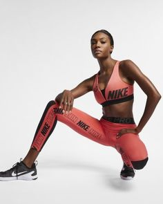 * Women's Graphic Tights Nike Pro & Top in Ember Glow ~ Today's Fitness Item! Super Super Women's Graphic Tights N. Nike Leggings, Tight Leggings, Workout Leggings, Leggings Sale, Nike Pro Women, Sport Fashion, Fitness Fashion, Foto Sport, Le Pilates
