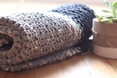 T-Shirt yarn (Tarn) is thenew cool kid on the knitting block. Knitting fundies and newbies are using it al over the world to create the most interesting and user-friendly items. See our…