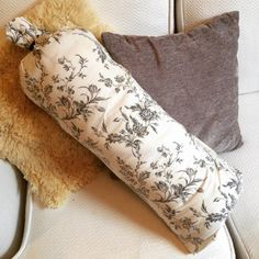 Make your own yoga bolster pillow at home in four easy steps (and no sewing!). Perfect for Yin Yoga.