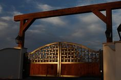 The weave in this braided metal detail of this ranch gate looks really awesome in the sunset. Farm Entrance, Entrance Gates, Entrance Ideas, Metal Gates, Wrought Iron Gates, Security Gates, Iron Gate Design, Custom Gates, West Home
