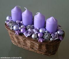 Adventní svícen * košík s fialovou dekorací ♥ Christmas Swags, Christmas Candle, Christmas Centerpieces, Xmas Decorations, Christmas Ornaments, Diy Arts And Crafts, Diy Crafts, Purple Candles, Candle Making Business