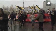 VIDEO: Alta tensión en el Día de la Unidad Nacional en Rusia - http://uptotheminutenews.net/2013/11/04/latin-america/video-alta-tension-en-el-dia-de-la-unidad-nacional-en-rusia/