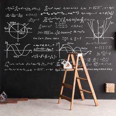 3m×3mの大きな黒板の壁にチョークアートが描けます。