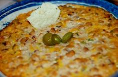 Black-Eyed Pea Dip: It is a great twist on refried bean dip.I made this recipe for the first time on New Year's, since eating black-eyed peas is a tradition of good luck for the new year in the South. Recipes Appetizers And Snacks, Appetizer Dips, Best Appetizers, Easy Dinner Recipes, Easy Meals, Desserts, Black Eyed Pea Dip, I Chef, Good Food