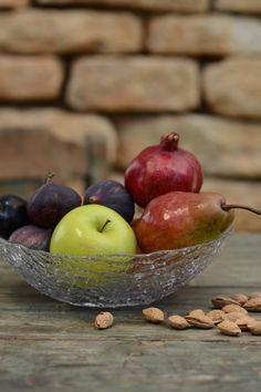 Servește fructele sezonale în boluri sau platouri practice și decorative! #bol fructe #fructiera #platou fructe #platou pentru fructe