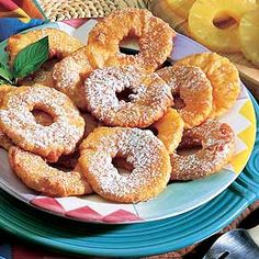 Pineapple Fritters were something that my grandmother cooked up when I was young. Brings back great memories. Delicious Desserts, Dessert Recipes, Yummy Food, Sweet Desserts, Yummy Yummy, Pineapple Fritters, Tropical Party Foods, Pasta Casera, Food Suppliers