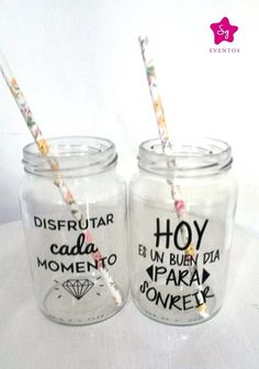 vaso personalizado, frases, tragos, frascos drinks Bottles And Jars, Mason Jars, Bottle Bag, Ideas Para Fiestas, Do It Yourself Home, Candy Buffet, Decoupage, Diy And Crafts, Baby Shower