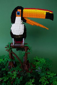 UK-based designer Thomas Poulsom and photographer Jameson Kergozou collaborated together to create quirky portraits of LEGO birds in the series Lego Ornithology. Gardener and bird-enthusiast Poulsom has been crafting his LEGO sculptures Lego Sculptures, Lego Animals, Sketchbook Project, Lego Models, Lego Creations, Illustration Art, Illustrations, Beautiful Birds, Legos