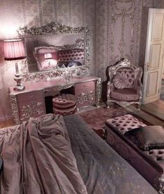 Carving Silver Italian Style Bedroom - Top and Best Italian Classic Furniture - Wendy Lane - Furniture Royal Bedroom, Glam Bedroom, Bedroom Decor, Rich Girl Bedroom, Trendy Bedroom, Bedroom Ideas, Decoration Inspiration, Room Inspiration, My New Room