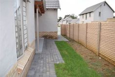 Explore this property 3 Bed House in Willow Manor (PTA East) system error as Danville Private Property, Property For Sale, Capital R, Default Setting, House Keys, Double Garage, View Video, Private School, Pta
