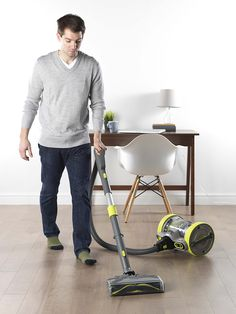 vax air revolve vacuum rolls and flips to provide 360° maneuverability