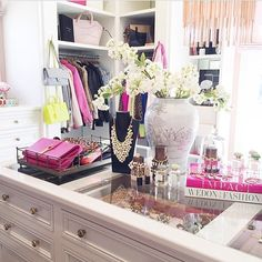 Let's take a moment and discuss @rachparcell 's walk in closet!... - Interior Design Ideas, Interior Decor and Designs, Home Design Inspiration, Room Design Ideas, Interior Decorating, Furniture And Accessories