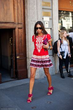 The amazing style of Viviana Volpicella~~love this look.