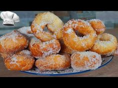 When you try these anise donuts you will be amazed. They are easy and very juicy Donut Decorations, Deli Food, Spanish Food, Doughnuts, Food And Drink, Baking, Eat, Desserts, Youtube