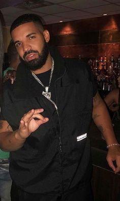 Drake Beard, Only Drake, Drake Music Video, Drake Rapper, Drake Photos, Drake Wallpapers, Rihanna And Drake, Drake Drizzy, Drake Graham