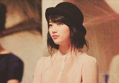 Bae Suzy... love this picture, so pretty.