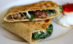 Leftover Steak and Spinach Quesadilla with Provolone Easy Healthy Dinners, Healthy Dinner Recipes, Mexican Food Recipes, Ethnic Recipes, Easy Recipes, Healthy Quesadilla Recipes, Healthy Food, Healthy Eating, Cooking Recipes