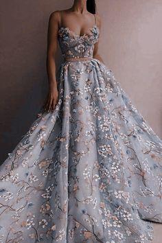 Pretty Prom Dresses, Stunning Dresses, Beautiful Gowns, Elegant Dresses, Cute Dresses, Ball Gown Dresses, Evening Dresses, Fantasy Gowns, Fairytale Dress