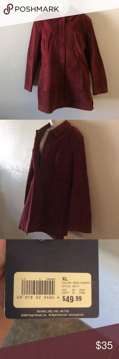 MAROON 💯% LEATHER COAT BNWTS Beautiful Maroon color Leather . 💯 % Leather outer shell . Satin satin feel polyester lining in side . Two side pockets . Zip up front . Botton neck . Brand new with tags . 49.99$ . By Cherokee. Peacoat style .size XL charokee Jackets & Coats Pea Coats