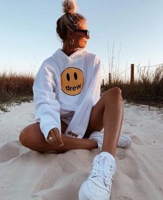 See more of sunshinelifee's content on VSCO. Cute Lazy Outfits, Trendy Outfits, Summer Outfits, Poses For Pictures, Summer Pictures, Teenager Outfits, Girl Outfits, Sweat Style, Look Kylie Jenner