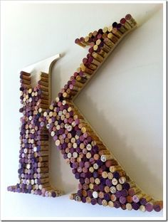 25 DIY Wine Cork Craft Project Ideas I have enough corks for all of these i thin. - - 25 DIY Wine Cork Craft Project Ideas I have enough corks for all of these i think! Wine Cork Monogram, Wine Cork Letters, Wine Cork Art, Wine Cork Crafts, Wine Corks, Wine Bottles, Bottle Candles, Monogram Letters, Diy Monogram