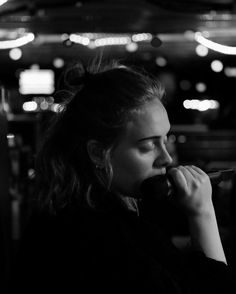 Pin for Later: 10 Photos That Prove Adele Is a Complete Stunner Without Makeup On Adele Love, Adele 25, Adele Music, Her Music, Adele Photos, Adele Adkins, Cover Songs, Without Makeup, Female Singers