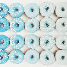 Gradient Blue Donuts by @vickiee_yo via Instagram