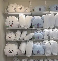 𝑷𝒊𝒏𝒕𝒆𝒓𝒆𝒔𝒕: 𝒉𝒐𝒏𝒆𝒆𝒚𝒋𝒊𝒏 ❀ Plush Pattern, Japanese Outfits, Blue Aesthetic, White Paints, Plushies, Bed Pillows, Pillow Cases, Snoopy, Cute