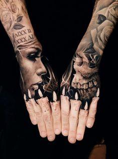 Candle-Finger-Tattoo von Jak Connolly
