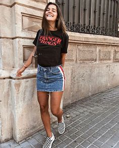 Gorgeous Denim Skirt Outfits Copy Right Clothes Denim Skirt Outfits, Komplette Outfits, Spring Outfits, Casual Outfits, Fashion Outfits, Denim Skirts, Outfits With Jean Skirt, Outfits With Black Vans, Black Denim Skirt Outfit Summer