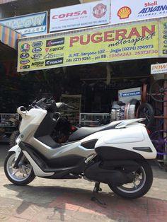 custom box Yamaha Nmax, Big Boyz, Custom Boxes, Scooters, Manchester United, Honda, The Unit, Motorcycle, Bike
