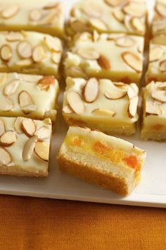 Almond, Apricot and White Chocolate Decadence Bars Prize-Winning Recipe Apricots, cream cheese and almond paste create the wow in rich and dreamy bars. Cakepops, Just Desserts, Delicious Desserts, Apricot Bars, Brownies, Cookie Recipes, Dessert Recipes, Biscuits, Almond Bars