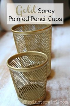 gold spray painted pencil cups {could use this idea for holding make up brushes!… gold spray painted pencil cups {could use this idea for holding make up brushes!} – Das schönste Make-up Do It Yourself Inspiration, Gold Rooms, Do It Yourself Furniture, Pencil Cup, Gold Spray Paint, Ideias Diy, Office Makeover, Cubicle Makeover, Diy Desk
