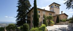 Luxury hotel for sale in the province of Perugia Image 68 Cities In Italy, Luxury Estate, Luxury Accommodation, Places Of Interest, Luxury Villa, Italian Style, Property For Sale, Countryside, Swimming Pools