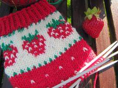 Opettajan mansikkasukkien ohje Christmas Sweaters, Blanket, Crochet, Christmas Jumper Dress, Crochet Crop Top, Chrochet, Rug, Blankets, Cover