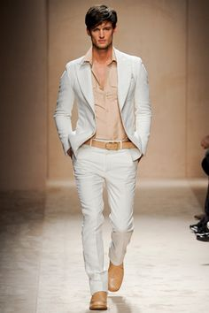 Crisp......     Love the soft nude and white. Adding depth, to further show the softness of the other colors, with that belt and those shoes, and bam you look good.