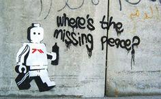 stencil_graffiti_ame72_lego.jpg (300×185)