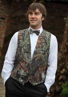 mossy oak breakup camo tuxedo vest with camo longtie size medium prom wedding
