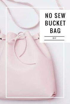 Hoje eu vim ensinar a fazer uma Bolsa Saco (bucked Bag) sem costura...Em breve vai ter outro tutorial de bolsa com uma técnica diferente